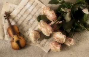 Picture of music and flowers for Andrea Bocelli concert